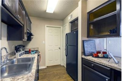 1 bedroom - At The Pointe Apartments. Parking Available!