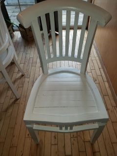 Country cottage dining table chairs