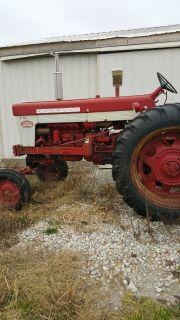 1962 FARMALL 560 DIESEL AGRICULTURE EQUIPMENT