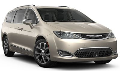 2018 Chrysler Town & Country Limited (Molten Silver)