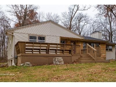 3 Bed 1.5 Bath Foreclosure Property in Beloit, WI 53511 - W Hickory Hls