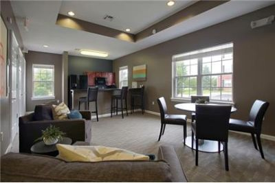 1 bedroom Apartment - Located in the heart of fast growing Yorkville IL.