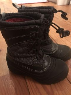 Euc North Face boots size 2