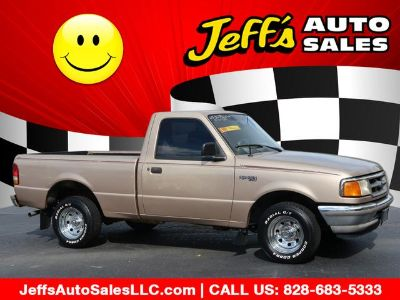 1995 Ford Ranger Splash (Gold)