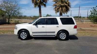 Luxury at it's finest! 2007 Lincoln Navigator