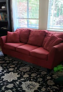 Living room set: Sofa, loveseat, chair, ottoman