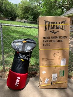 Everlast Omni Strike Weight Bag w/Heavy Duty Anchor and Stand. Brand New, Never Used