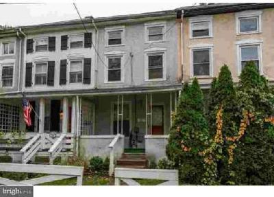 175 Front St Conshohocken, This home , complete with 3