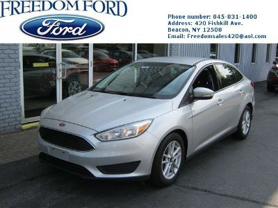 2015 Ford Focus SE (Silver)