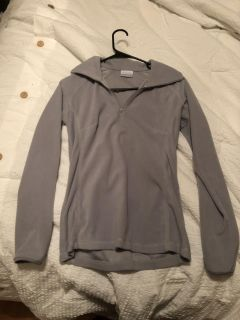 Women s XS new Columbia pullover