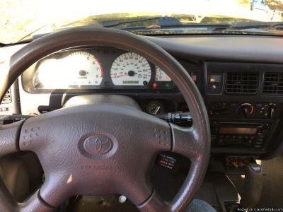 TOYOTA 2003 TACOMA 220K MILES RUNS AND DRIVES GREAT 4WD