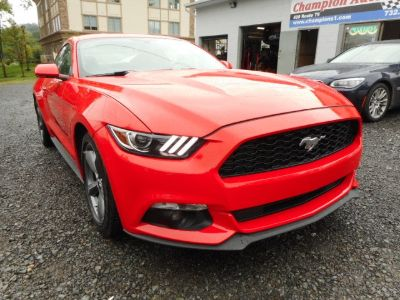2016 Ford Mustang 2dr Fastback V6 (Race Red)