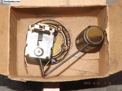 Porsche 911 Engine Oil Level Sensor in Oil Tank