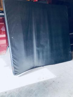 Truck bed cover