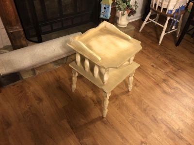 Side table 26 x 17 x17