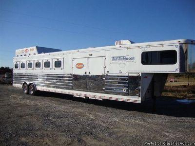 2004 Sundowner 6 horse trailer
