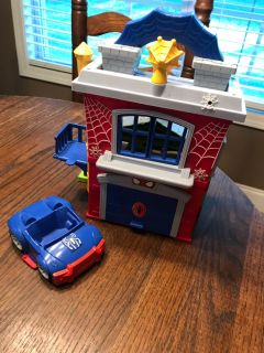 Spider-Man house and car