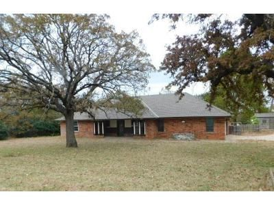 3 Bed 2 Bath Foreclosure Property in Edmond, OK 73034 - Atchley Dr