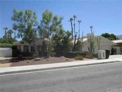 73419 skyward Palm Desert Three BR, Wow! Original owner in the