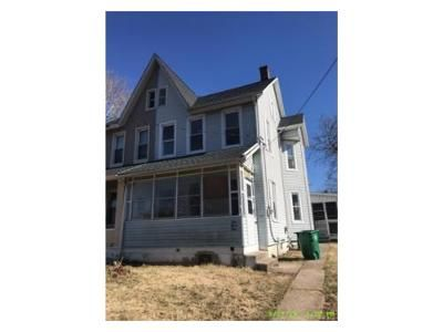 3 Bed 1 Bath Foreclosure Property in Catasauqua, PA 18032 - Buttonwood St