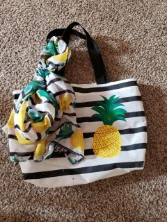 Pineapple tote and scarf