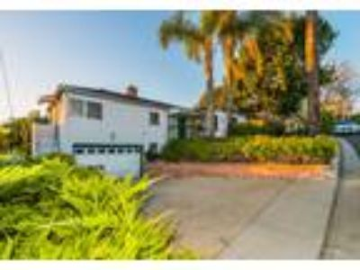 Truly Amazing Opportunity in this Glendale View Home