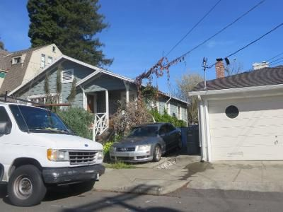 2 Bed 1 Bath Preforeclosure Property in Albany, CA 94706 - Acton St