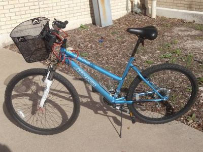 26 Magna Ladies Great Divide Mountain Bike - Blue