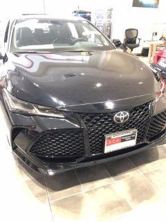 2019 Toyota Avalon (Midnight Black Metallic)