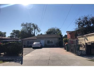 Preforeclosure Property in Compton, CA 90220 - 1/2 East Caldwell Street