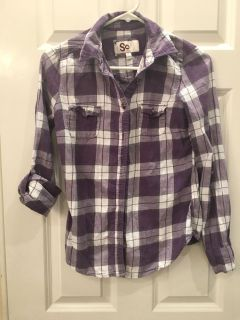 Teen Girl s Soft Plaid Shirt! Can wear sleeves rolled or down! Great Condition!