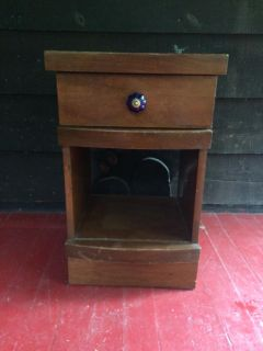 Solid Wood Nightstand w/drawer