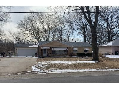2 Bed 1 Bath Preforeclosure Property in Independence, MO 64052 - S Westport Rd