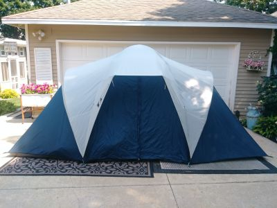 3 room insta-set tent. 7 person. NWB. $60.00