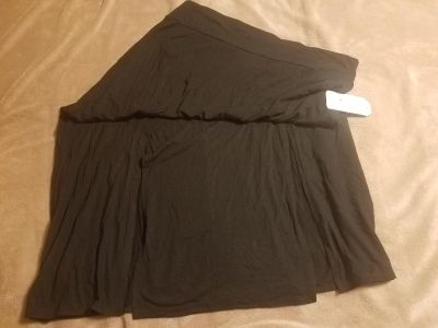 NWT Women's Long Black Skirt - I'm 5'3 and it goes to the floor on me but need smaller size.