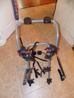 Sell NICE YAKIMA THREE BIKE TRUNK RACK !! motorcycle in Fort Worth, Texas, United States