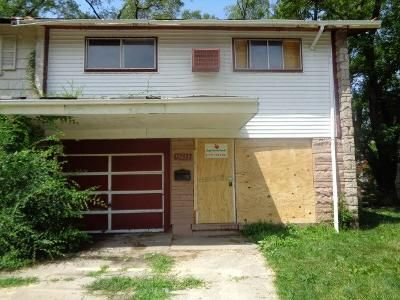 2 Bed 1.5 Bath Foreclosure Property in Riverdale, IL 60827 - S Wallace Ave