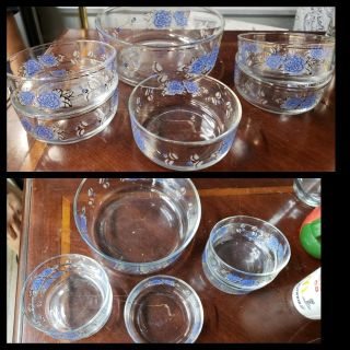 Vintage Small Salad Serving Bowl and 4 Smaller Bowls. Made In Italy