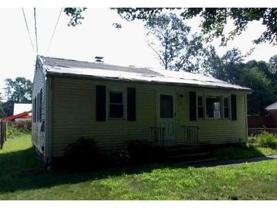 2 Bed 1 Bath Foreclosure Property in Chicopee, MA 01020 - Deslauriers St