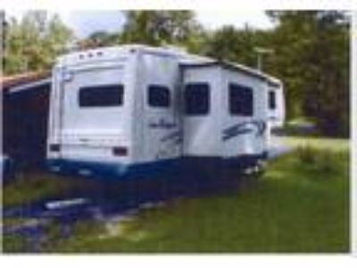 2000 Sea Breeze Fifth Wheel Trailer