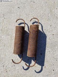 Bug seat spring