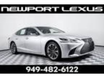 2018 Lexus LS 500 Base luxury package