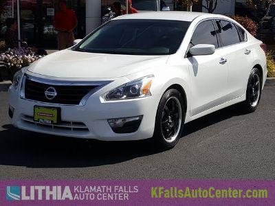 2013 Nissan Altima 2.5 (PEARL)