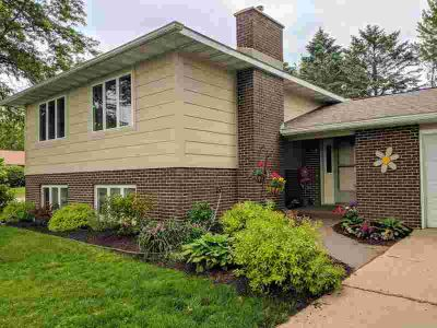 642 13th Ave N Onalaska, Beautifully remodeled Four BR