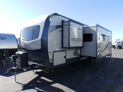 2019 Forest River ROCKWOOD 2706WS, 2 SLIDES, REAR BUNKS, POWER PACKAGE, EXTERIOR KITCHEN WITH BBQ, HEATED HOLDING TANKS, SLEEPS 8