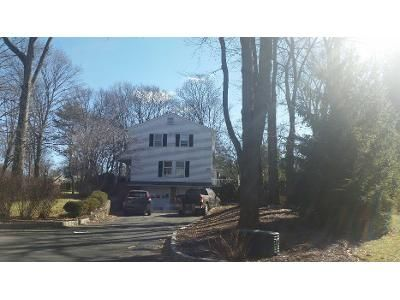 4 Bed 2.5 Bath Preforeclosure Property in Wyckoff, NJ 07481 - Brownstone Ct
