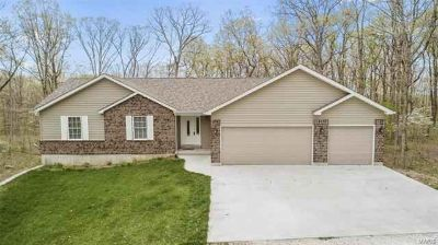 24535 Savannah Pl Warrenton Three BR, THIS IS A STEAL !