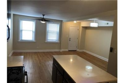 Chicago, Great Location, 3 bedroom Apartment.