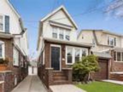 Bay Ridge Real Estate For Sale - Three BR, 1 1/Two BA Colonial