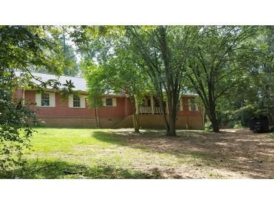 3 Bed 3 Bath Foreclosure Property in Winder, GA 30680 - Golf Course Rd